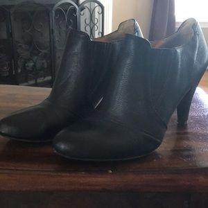 Audrey Brooke black leather bootie, sz8